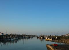 Bel après-midi au port du Bec