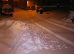 On tourne la neige à la pelle