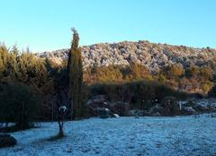 Lever de soleil sous la neige