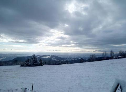 Neige sur les hauteurs de la région lyonnaise