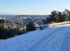 Chutes de neige surprise sur Alès et sur les hauteurs...
