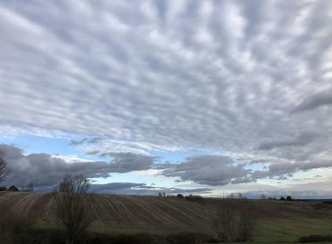 Nuages du gris clair au gris foncé