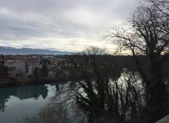 Gris et glacial sur l'Isère cet après-midi