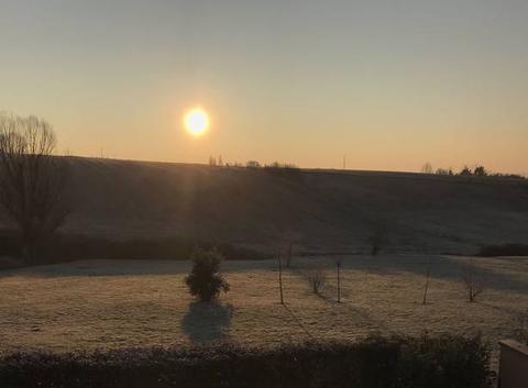 9h00 Ciel bleu Soleil -8 degrés Gelée blanche