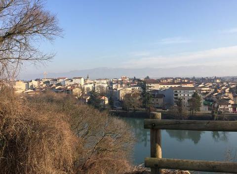 Aperçu des berges de l'Isère de Bourg-de-Péage depuis Romans - Ciel bleu sans vent