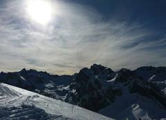 Soleil et neige sur les Pyrénées