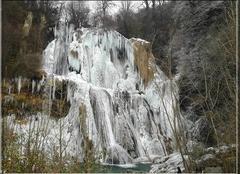 Froid Saint-Benoit 01300 La cascade de Glandieu ( 01 ) gelée.