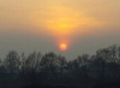 Couché de soleil avec la pollution