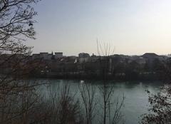 Grand soleil et grand vent en bord d'Isère