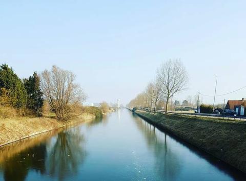 Canal de Furnes gelé