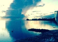Mer Papeete 98714 Le reflet de la di nuage en dirais la lune 🌙