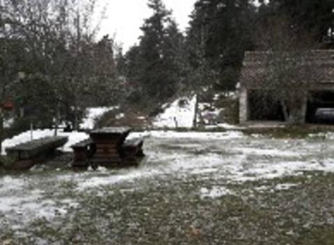 Le peu de neige restant de l'épisode de jeudi