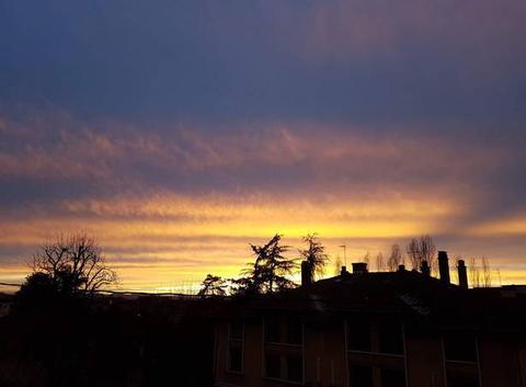 Ciel d'hiver au crépuscule.