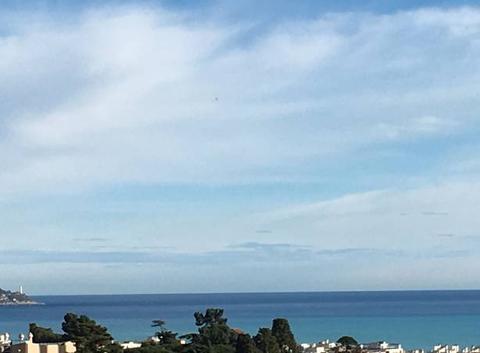 Dégradé de bleu entre ciel et mer