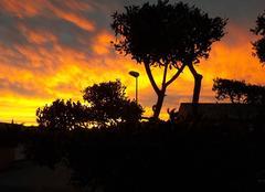 Ciel rouge après tempête de vent
