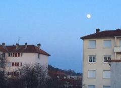 Pleine lune sur Trelissac par une soirée très fraîche