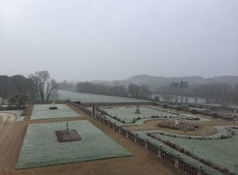 Neige sur les jardins du Château de Valmer