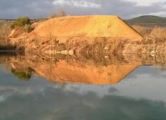 Insolite Severac-le-Chateau 12150 Ombre et lumière au lac de la Cisba