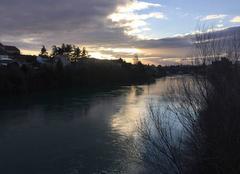 Le soleil se couche sur les quais