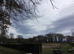 Ciel mitigé et grand vent du sud