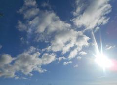 Soleil   nuages   vent......