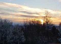 Ciel Pierrevert 04860 Au soleil levant