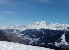 Ciel Flumet 73590 Mont blanc ciel bleu