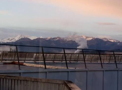 Vue sur les Pyrénées au petit matin