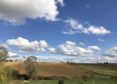 Ciel Bouloc 31620 16h45 Ciel bleu et petits nuages ... 11 degrés