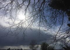 Impressionnants nuages au-dessus de la campagne moursoise