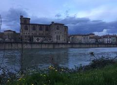 Crépuscule hier soir sur les quais d'Isère