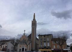Ciel gris sur Notre-Dame hier après-midi romans