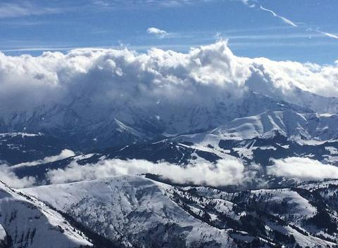Mt blanc dans les nuage