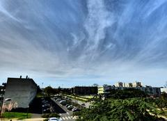 Ciel Niort 79000 Léger voile de cirrus dans le ciel