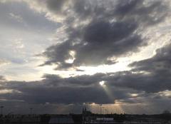 Ciel Chartres 28000 Nuages et soleil