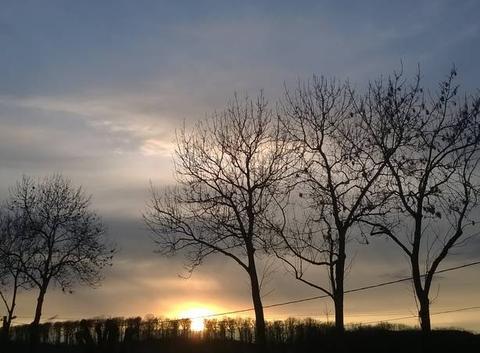 Le soleil se couche.