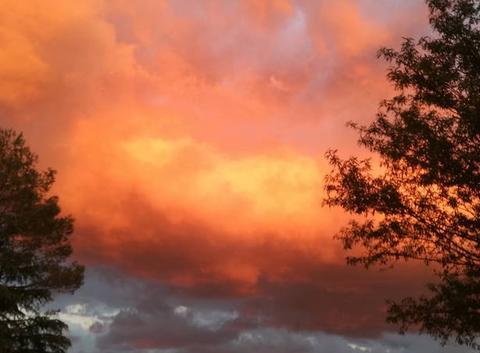Ciel couleur feu le thoronet