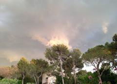 Insolite Saint-Raphael 83700 Ciel de tempête