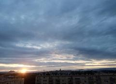Ciel Fréjus 83600 Après la pluie ciel très nuageux ce soir