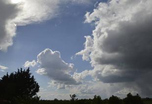 Nuages Lafitte-Vigordane 31390 Entre soleil et pluie