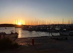 Ciel Hyeres 83400 Coucher de soleil sur le port
