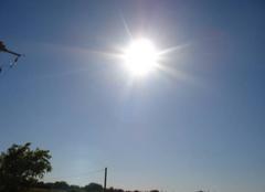 Chaleur Gallargues-le-Montueux 30660 Beau soleil ciel bleu-9H30