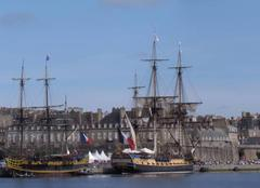 Mer Saint-Malo 35400 L'Hermione en escale à St Malo