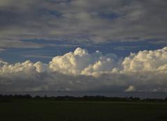 Nuages Lafitte-Vigordane 31390 Ciel de traîne après une journée pluvieuse