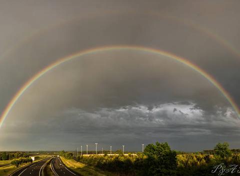 Double arc-en-ciel sur la route des Landes !