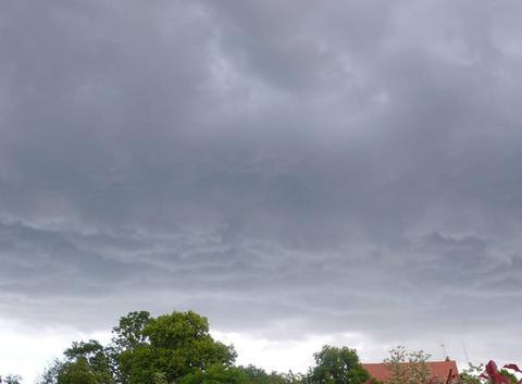 L'orage est sur nous