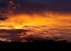 Ciel Preveranges 18370 Coucher de soleil dans un ciel perturbé