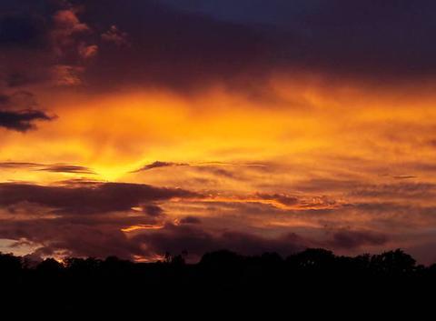 Coucher de soleil dans un ciel perturbé