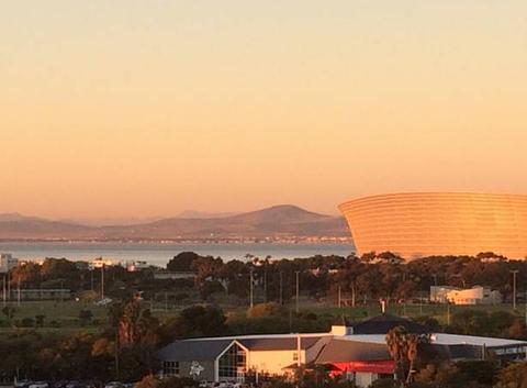 Coucher de soleil Cape Town Stadium
