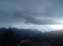 Nuages Sallanches 74700 Le Mont-Blanc bien sombre